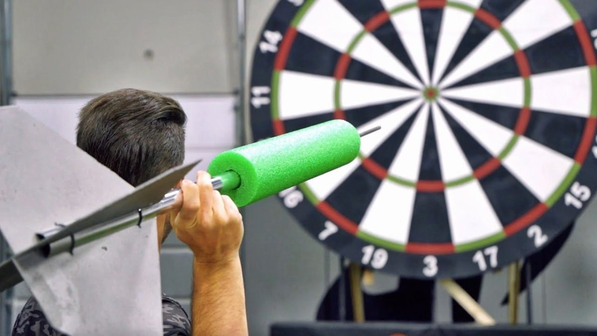 Dude Perfect - Giant Darts battle