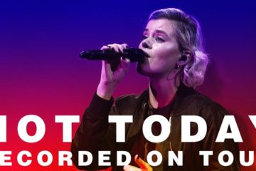 Video: Hillsong UNITED - Not Today live