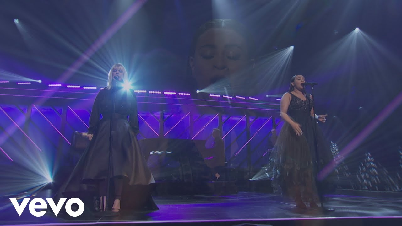 Natalie Grant Amp Koryn Hawthorne Blow The Roof Off With