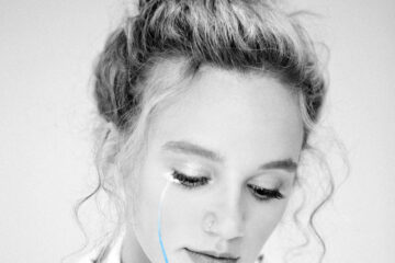 HOLLYN Releases bye, sad girl. EP Today