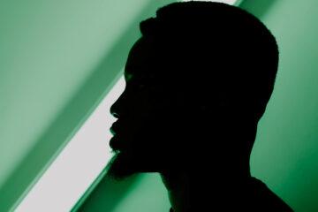 "GOSPEL LEE SMASHES INTO FALL W/ NEW SINGLE ""GREEN LIGHT"""